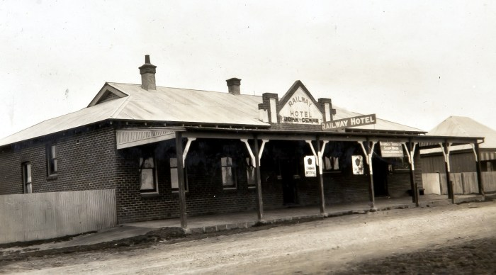 railway hotel spring hill nsw sept 1930 anu