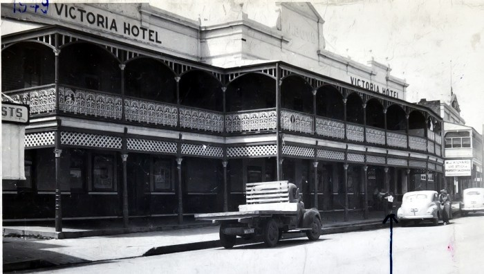 Victoria Hotel Canowindra nsw 1949 anu