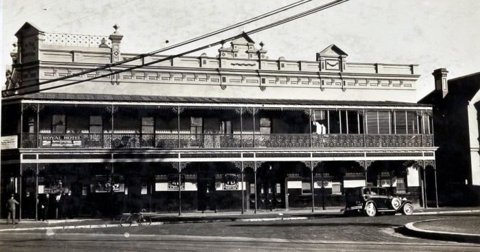 Royal Hotel Randwick aug 1930 anu