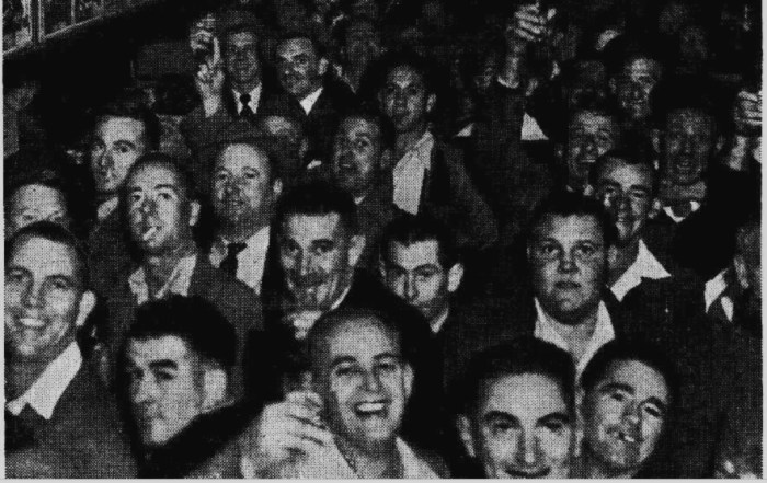 beer drinkers in a liverpool street sydney pub 1949