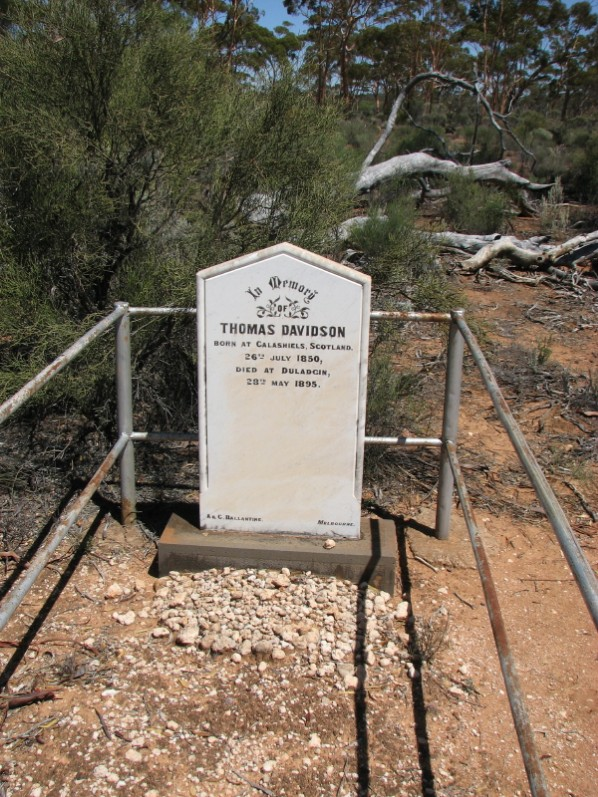 Duladgin_Thomas_Davidson_gravesite