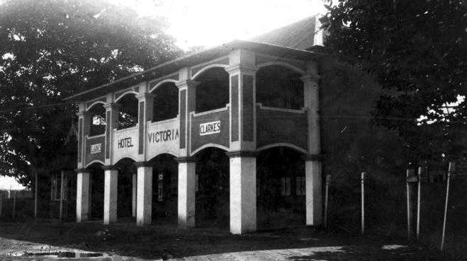 North-Wollongong-Hotel-Wollongong-1930-ANU 2