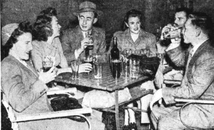 beer garden golden sheaf hotel double bay sydney 1947