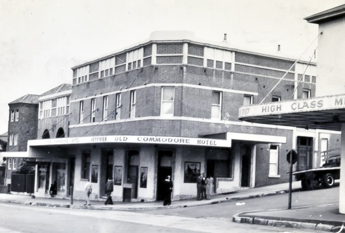 Old Commodore Hotel 1949 anu