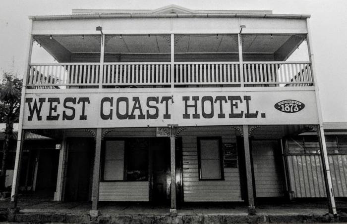 west coast hotel cooktown Oct 1995 Mick Roberts Collection