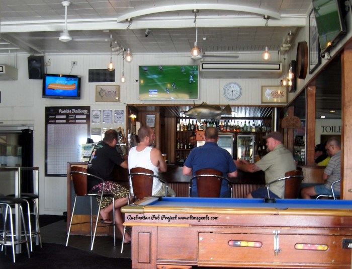 Barron River Hotel Stratford Qld BAR 2 TG W