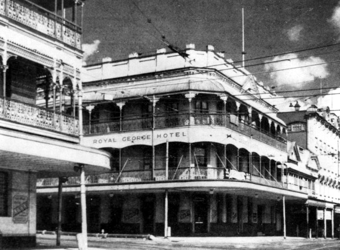 Royal George Hotel 1942 State Library of Qld