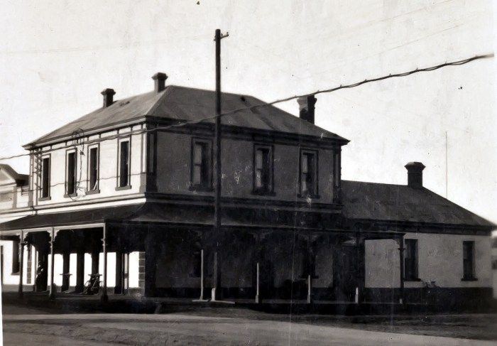 Old Royal Hotel Broken Hill 1927