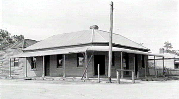 last stand hotel glenrowan march 1947 state library of victoria cropped