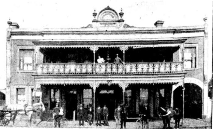 Murdochs Hotel Morwell 1897