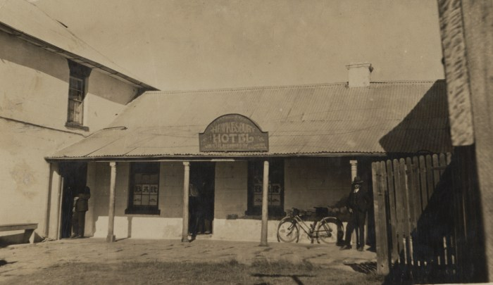 Hawkesbury Hotel later Wisemans Inn Hotel Wisemans Ferry 1923 NBA ANU 2