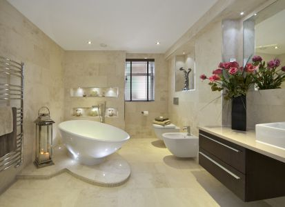 BATHROOM WITH NATURAL MARBLE