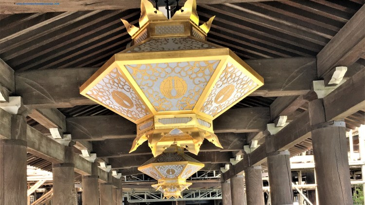These beautiful lanterns greets you as you enter the payment hall at Kiyomizu-dera in Kyoto. Despite its vast space here, it was exceptionally busy.