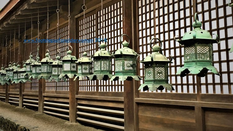 Hanging lanterns all around the wall_Kasuga Taisha, Nara