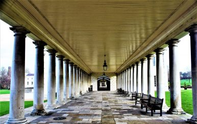Colonnades linking the main building, the Queen's House with the additional wings