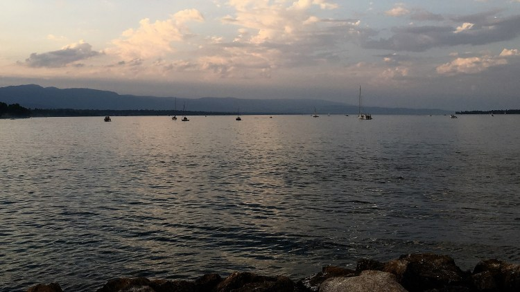 Just another perfect evening on the rocks at the lighthouse in Geneva, of our perfect romantic 3-day itinerary.