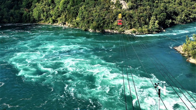 Whirlpool Aero Car Experience at Niagara Falls: The cable car is suspended with six sturdy cables and transports between two-points of the Canadian shore.