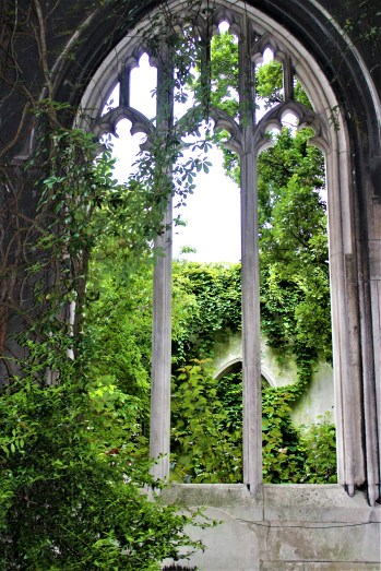 St Dunstan in the East: One can only imagine how beautiful these stone tracery would have been ornamented with stained glass.