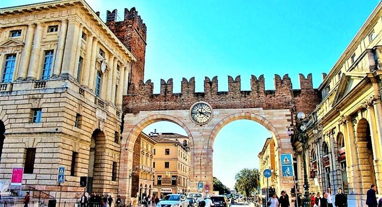 Portoni del Bra Archway, Verona