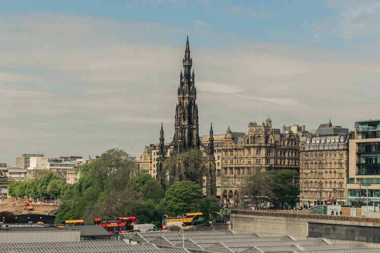 Edinburgh.scott.monument | Scotland | Ultimate Travel Guide | At a Glance