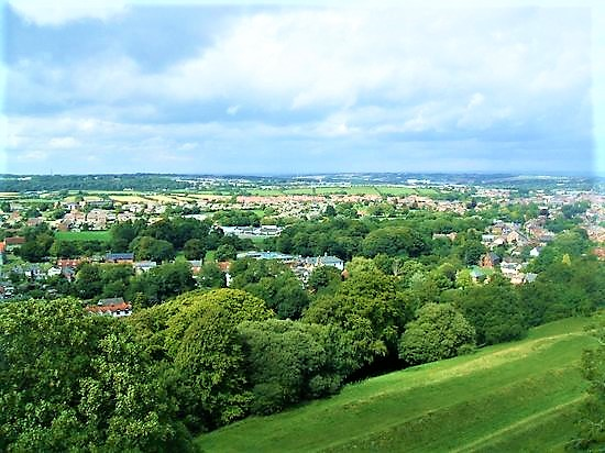 stunning views from the wall-walk.carisbrooke.castle | things to do at Carisbrooke Castle
