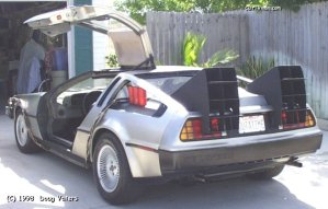 In lieu of red capacitors, the car has featured three red stand-in elements on the driver's side pontoon.