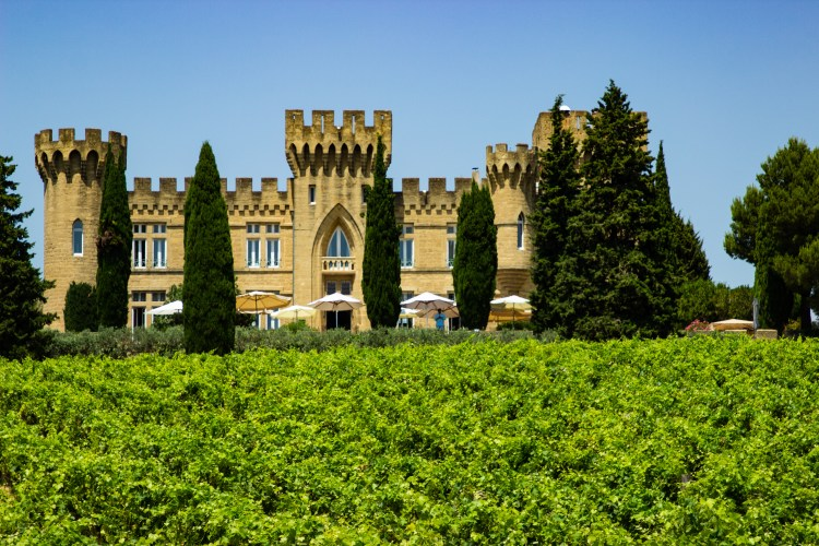 Châteauneuf-du-Pape wineries
