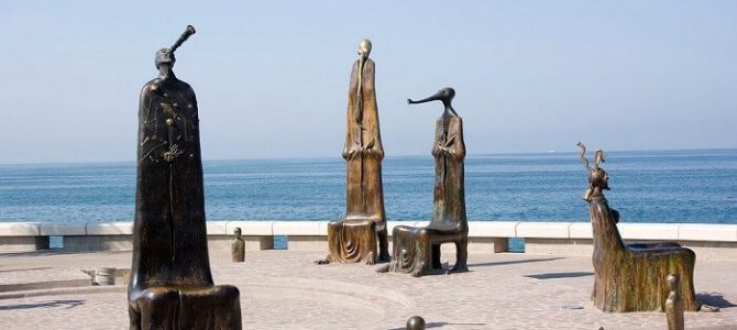 Why is Puerto Vallarta one of the Best Destinations for Beach Rentals