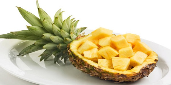 Pineapple fruits to eat
