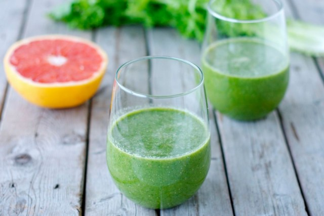 Grapefruits spinach smoothies for weight loss. Best smoothies for glowing skin and weight loss.