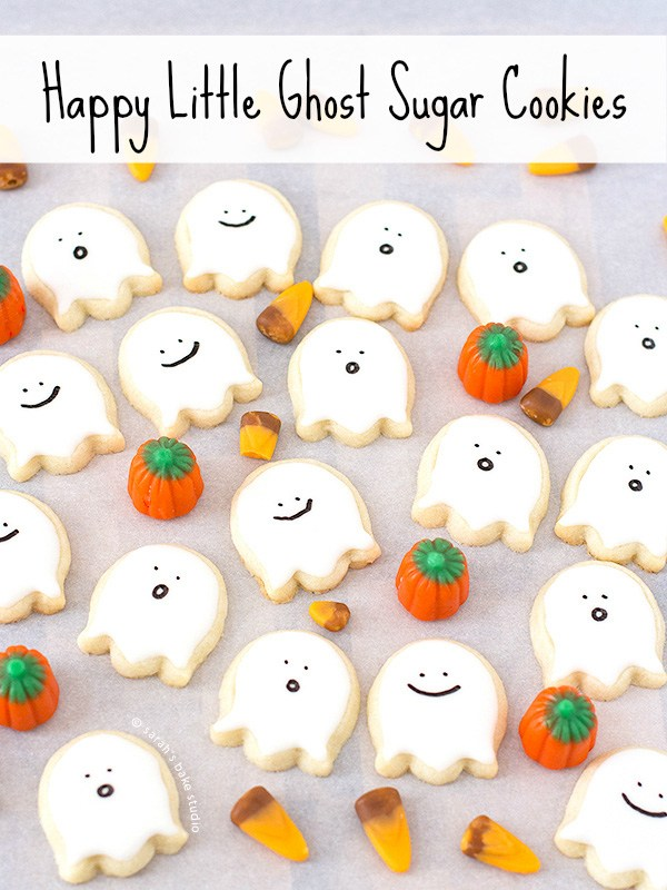 Cute and happy ghost sugar cookies for kids. Best 22 delicious dessert ideas for Halloween party. Easy Halloween food recipes. Halloween tricks and treats for kids. Halloween treats for school parties. Funny Halloween tricks and treats food ideas for kids. Halloween ghost foods ideas. Halloween spooky food and drinks ideas for adults. Halloween foods ideas for adults. Halloween party food ideas.