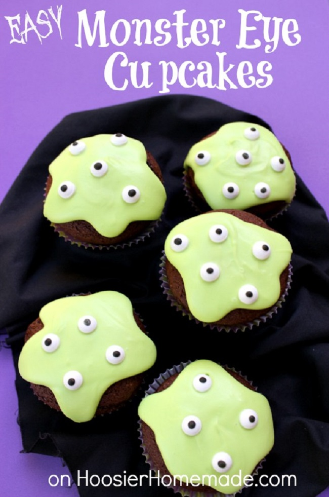 Easy Monster Eye Cupcakes for Halloween. Easy, fun, and spooky Halloween cupcakes recipes ideas.