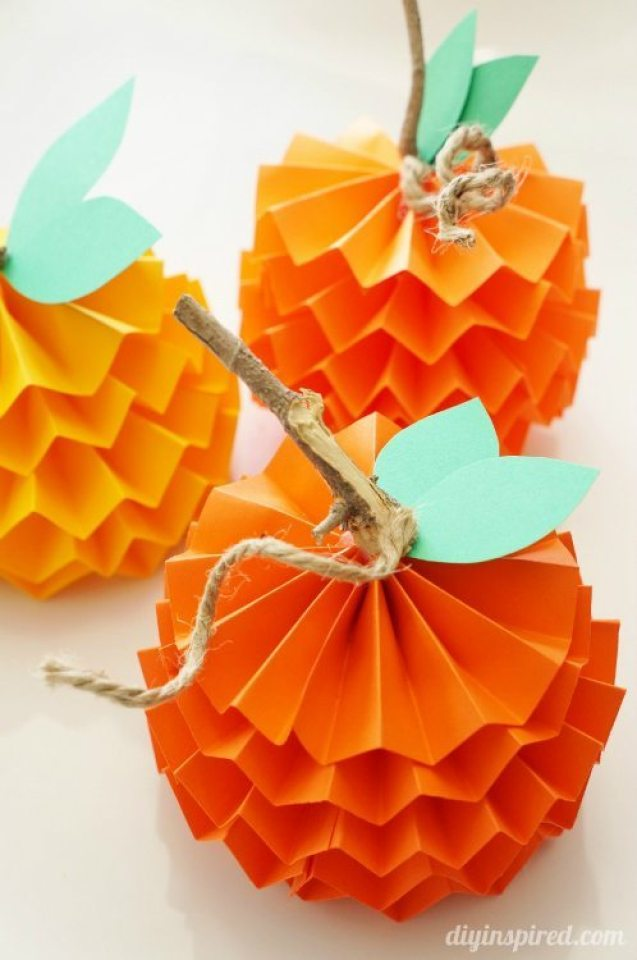 Paper pumpkin crafts for kids. These little pumpkins are so much fun to make. Try 15 more easy Halloween crafts ideas for kids to engage them on festivals