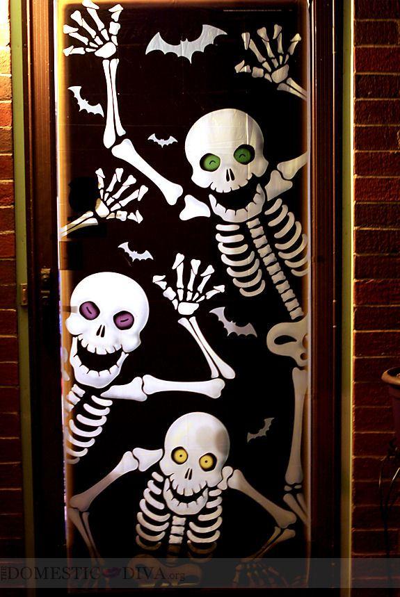 Spooky yet fun skeleton door cover Halloween decorations for your front door. This skull decorations is spooky enough to fun for your visitors. Get 10 more best Halloween door decorations ideas on Amazon.