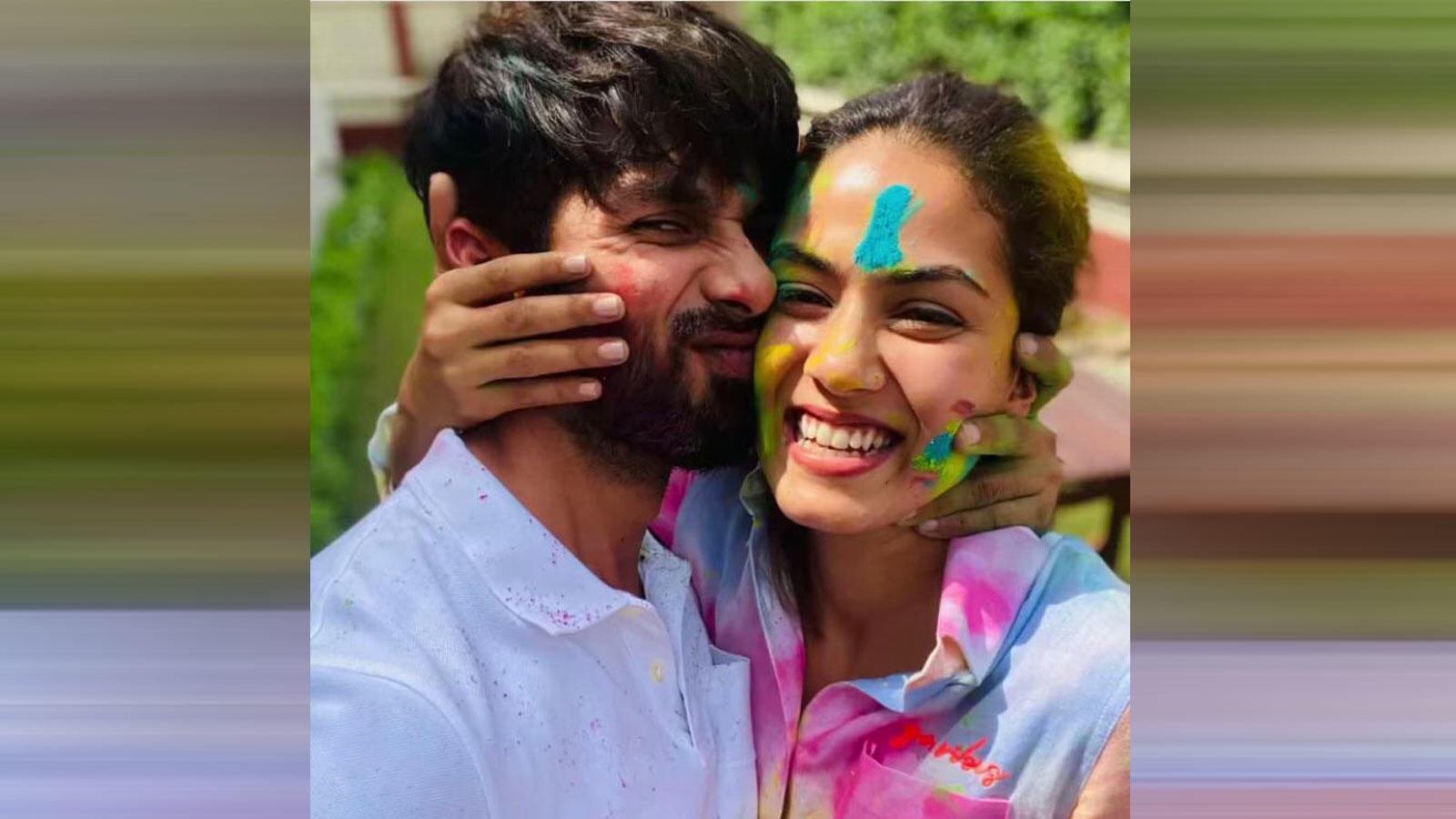 B-Town celebrates Holi | Hindi Movie News – Bollywood – Times of India