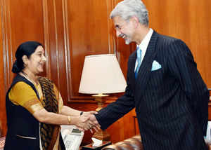 Beijing to try to guage India's response on South China Sea during Sushma Swaraj's visit
