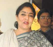 Hyderabad Police book Renuka Chowdhury for 'taking bribe'