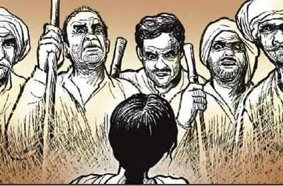 The pradhan called for a panchayat right outside the police station, where accused was ordered to touch the victim's feet. The panchayat then declared that the alleged rapist was pardoned and asked the survivor to keep mum about the crime. (Representative Image)