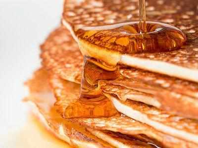 Replace sugar with healthy maple syrup (Getty)