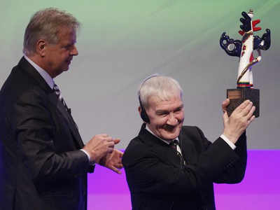 File photo: Stanislav Petrov (R) at an award ceremony in Germany.