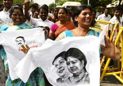 Supporters of TTV Dhinakaran possess a fair appropriate time in Chennai on Sunday (TOI photo by R Ramesh Shankar)