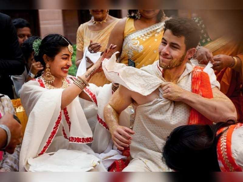 When Nick Jonas Tried To Hide His Body From Priyanka Chopra