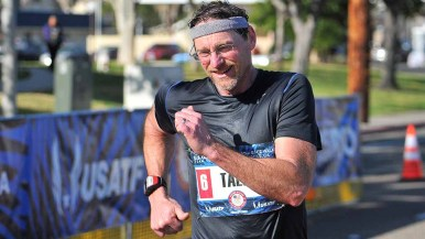 Dave Talcott races amid temperatures rising to the low 70s in Santee. Photo by Ken Stone