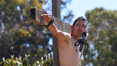 """An actor portrays Dismas, a thief who was crucified beside Jesus and said, """"Remember me when you come into your kingdom."""" Photo by Chris Stone"""