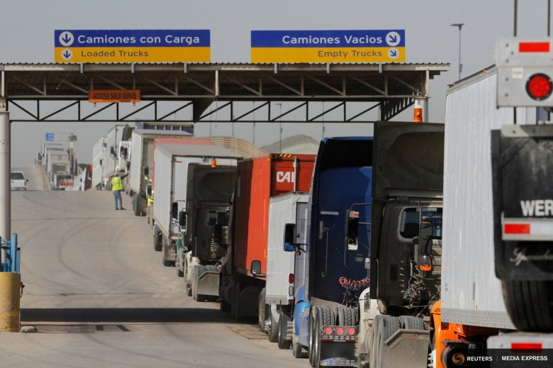 Trucks at Otay Mesa crossing