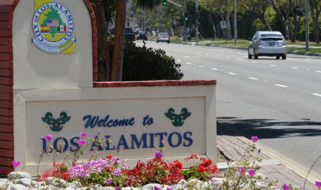 Los Alamitos sign