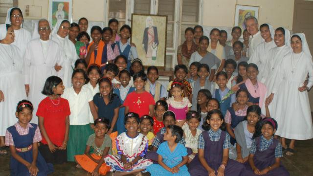 Orphans and nuns at Homes of Hope