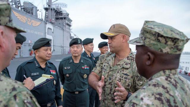 South Korean general tours the USS Bonhomme Richard