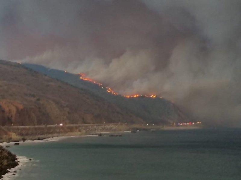 Woolsey Fire burns near Pacific Coast Highway