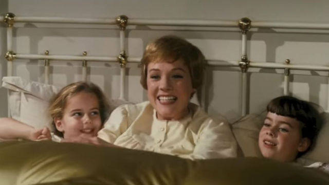 "Julie Andrews sings ""My Favorite Things"""